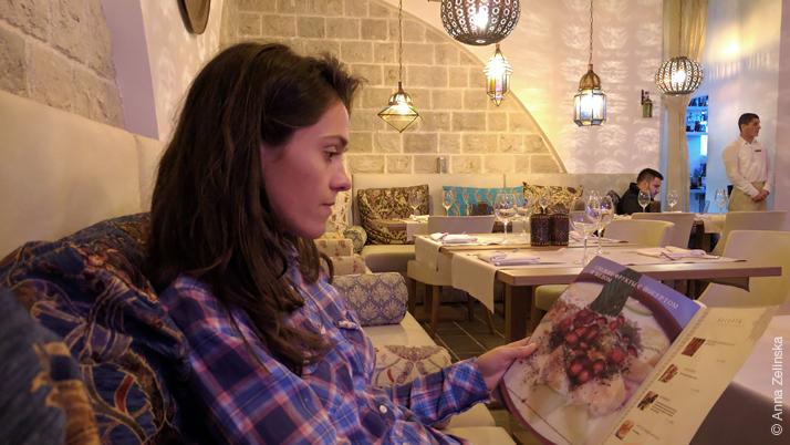 Интерьер ливанского ресторана, Черногория