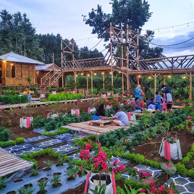 Tapos Garden Coffee & Eatery Bogor - Review Harga Menu, Daya Tarik & Lokasi