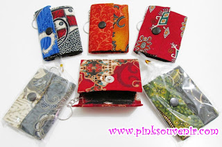 Pilihan Souvenir Pernikahan Gantungan Kunci Dompet Batik