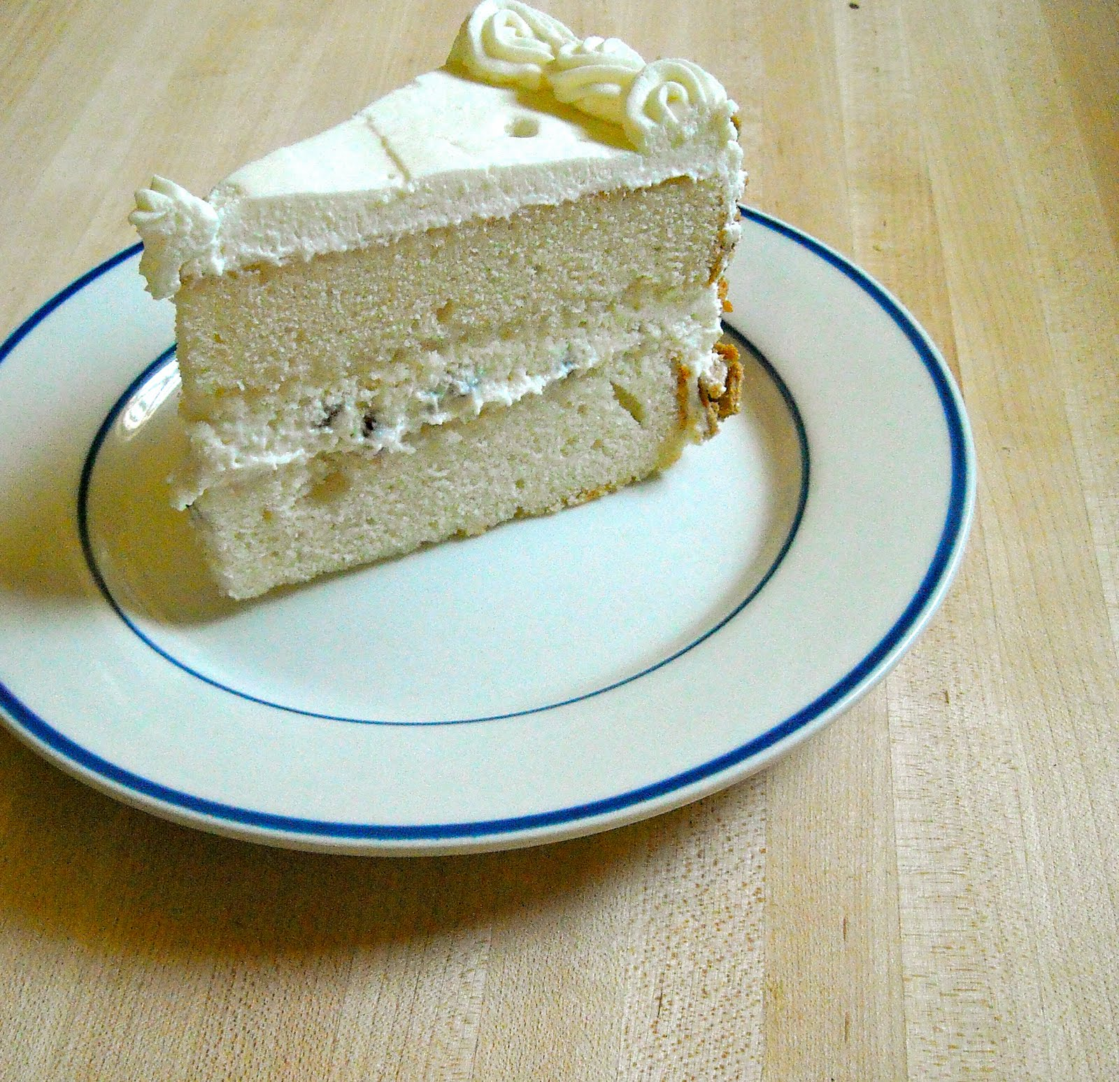 Cannoli Kitchen: Blonde In The Kitchen: Almost Cannoli Cake