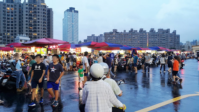 IMG 20190817 183216 - 大慶夜市今天開幕啦!人潮竟然比旱溪夜市還要塞,有些區域根本塞到走不動!