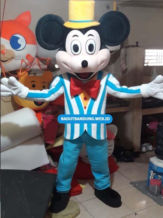 Badut Mickey Mouse