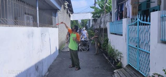 Warga Rt.03/05 Tegal Alur Cegah Wabah Covid-19