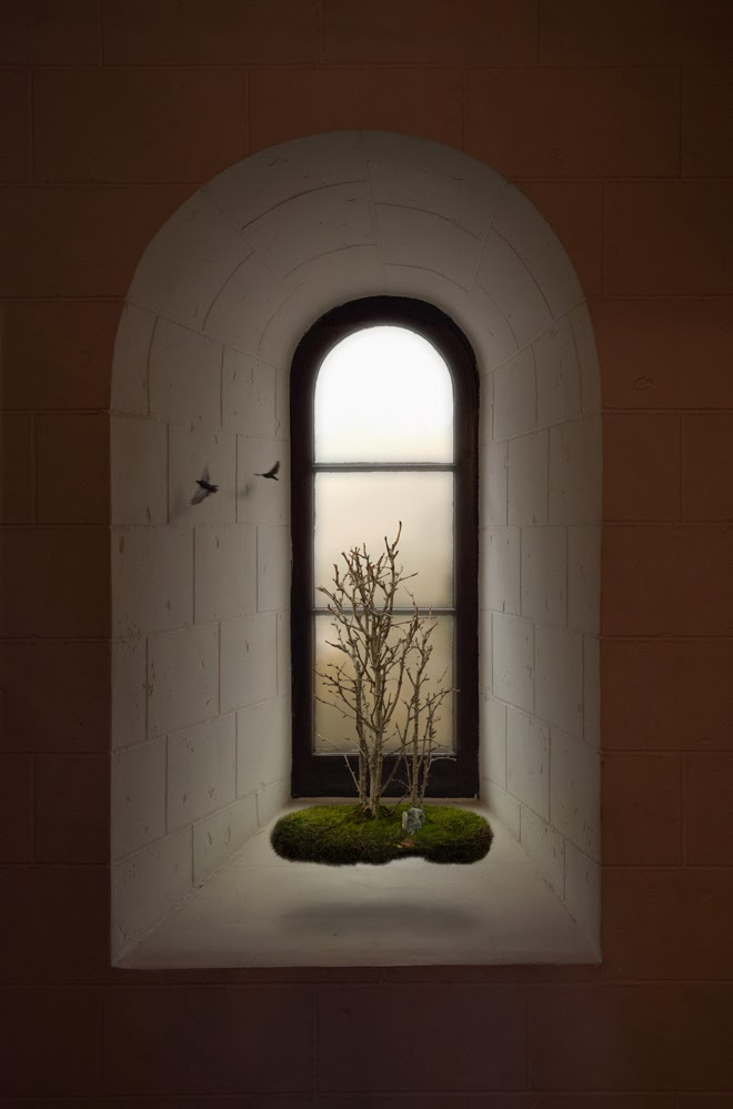 09-Window-Ann-Mitchell-Surreal-Life-Imagery-www-designstack-co
