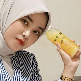 gambar Miliki berat badan ideal dengan sari lemon murni lemone