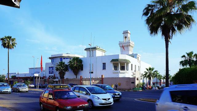 Изображение здания на бульваре Альмоад в Касабланке