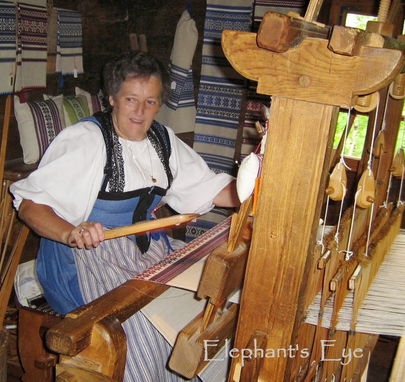 Weaving loom at Ballenberg