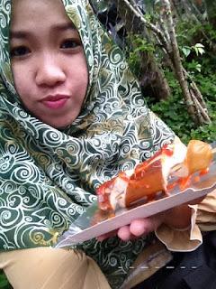 Rumah Hobbit? Liat di Farm House susu Lembang, Bandung.
