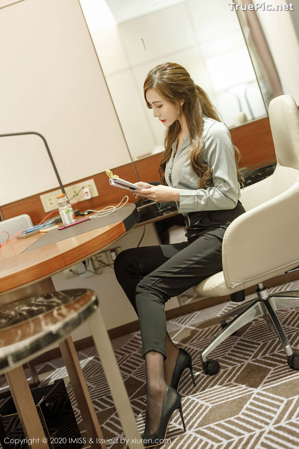 Image IMISS Vol.492 - Chinese Model - Lavinia肉肉 - Long Legs Office Girl - TruePic.net - Picture-5