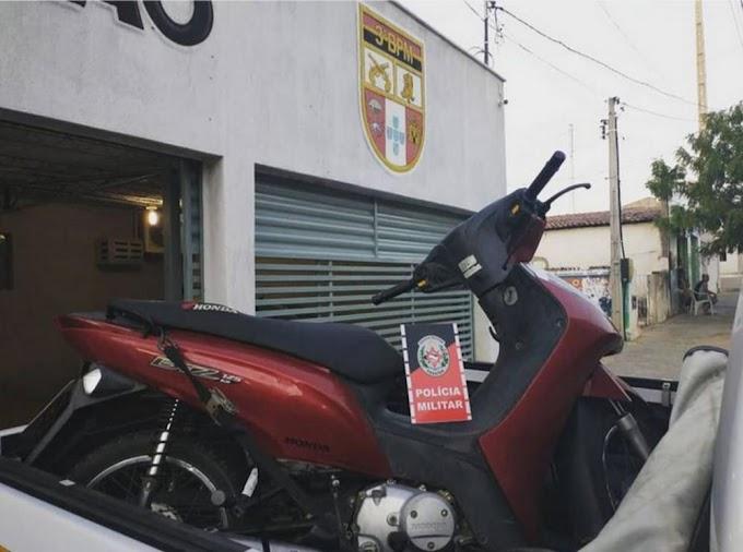 Polícia Militar detém um indivíduo e apreende motocicleta com restrição de roubo/furto durante Operação Pôr do Sol