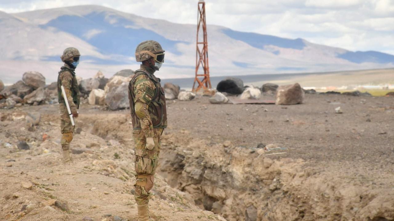 Patrulleros del COE en labores de vigilancia en la frontera de Oruro / MIN. DEFENSA