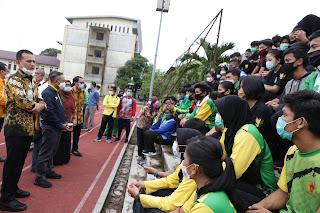 Bersama Wagub Kunjungi Wisma PPLP Sumut, Menpora Ingatkan Siswa Konsentrasi Dalam Berlatih