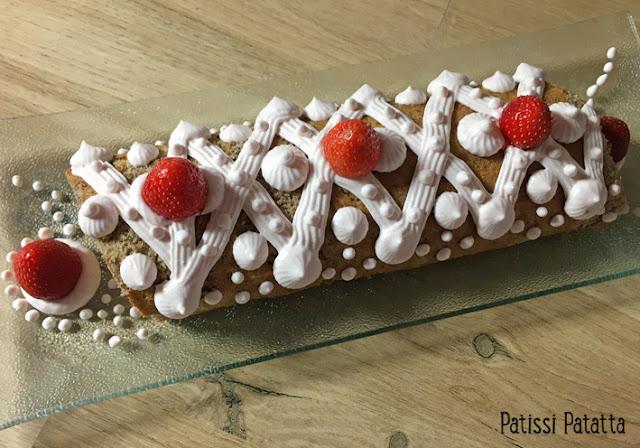 recette de roulé pécan et fraises, biscuit roulé aux noix de pécan, chantilly mascarpone fraises, biscuit roulé aux fraises, biscuit roulé aux noix de pécan, pâtisserie, patissi-patatta