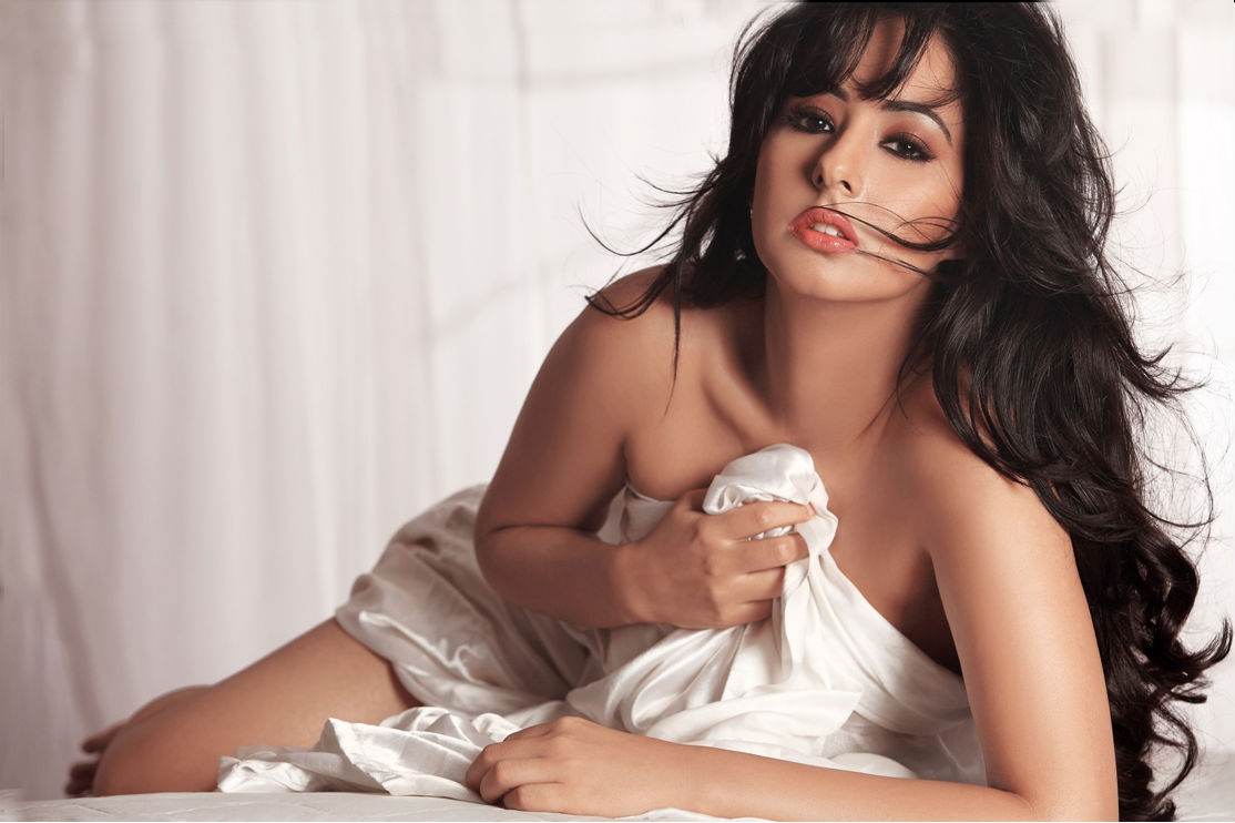 Indian Hot Model In Bikini Photos, Female Model Hot Pictures, Wallpapers, Images, Pics - Indian ...