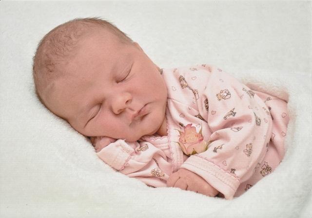 كيف تحمي الرضاعة الطبيعية من سمنة الأطفال