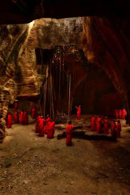 नायदा गुफाएं, naida caves