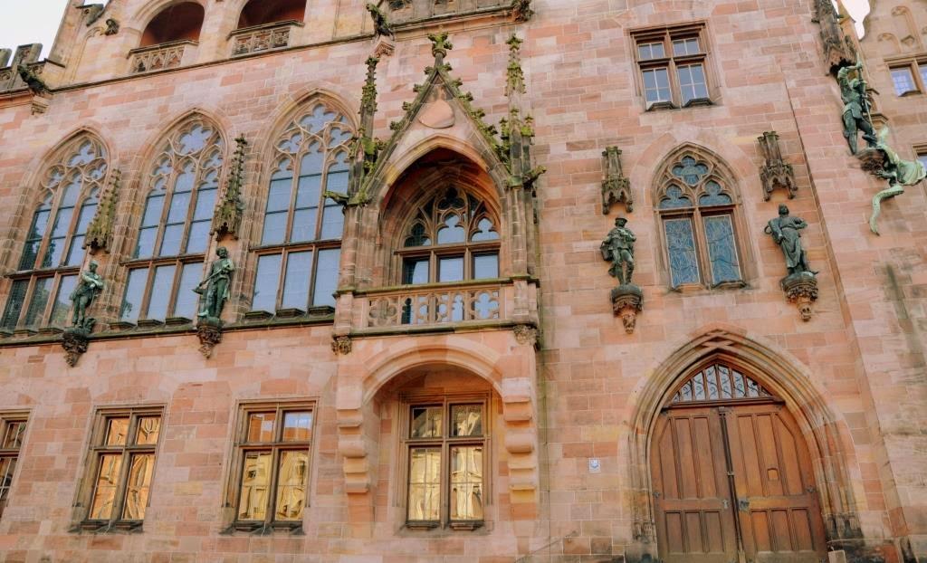 neo-gotiek in saarbrucken