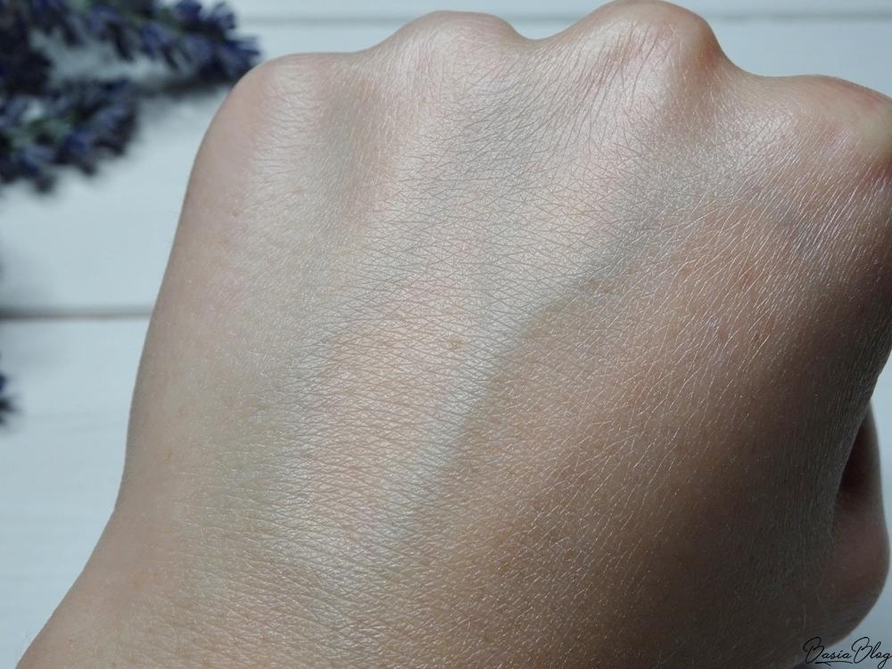 Lily Lolo jedwabny puder sypki Translucent Silk mika