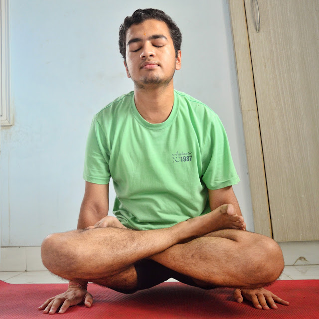 tolasana benefits, tolasana yoga,