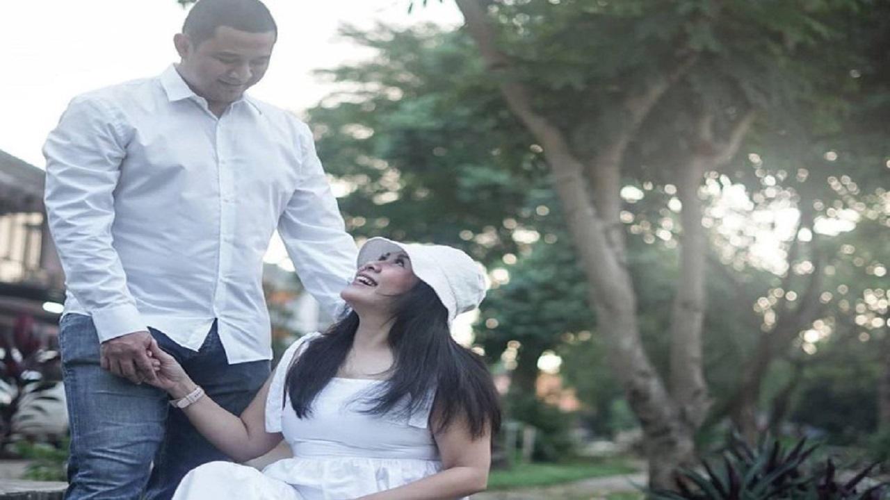 Wanita 54 Tahun Nikahi Brondong 20 Tahun Lebih Muda, Prewedding-nya Viral