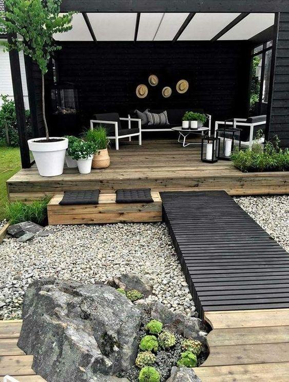 Awesome Black Garden Design Idea
