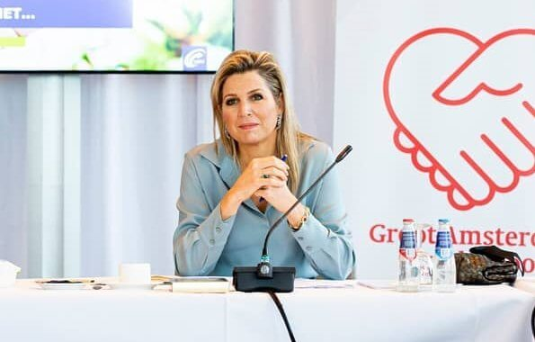 Queen Maxima paid a working visit to the Regional Work Center. Natan brown cahmere wool coat, sky blue silk shirt, zara prince of wales skirt