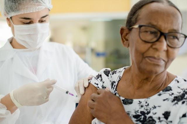 Vacinas esgotam novamente no primeiro dia em Colombo: Mais de 10 mil doses foram aplicadas já