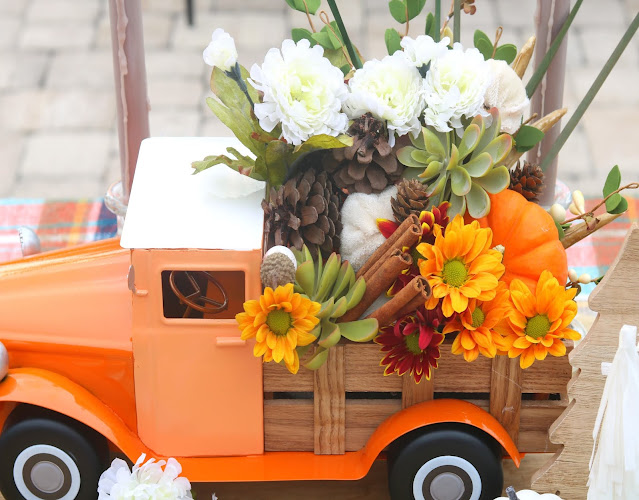 centerpiece-Fall-easy-cute-fun-simple-thanksgiving-athomewithjemma