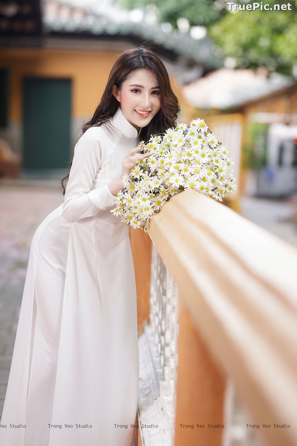 Image The Beauty of Vietnamese Girls with Traditional Dress (Ao Dai) #3 - TruePic.net - Picture-8