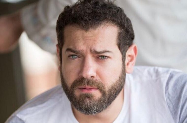 عمرو يوسف يثير أزمة مع الفنانات