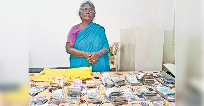 Police-Found-2-Lakhs-At-Beggar