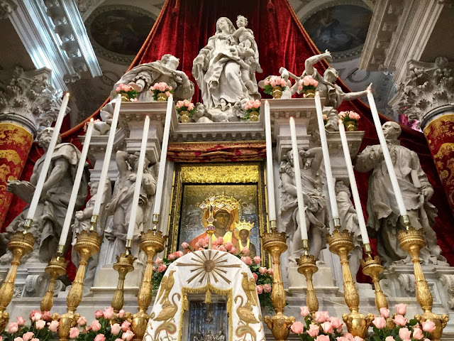 The Black Madonna - Panagia Mesopantitisa, Venice - on the Festa of the Madonna della Salute - Photo: Cat Bauer