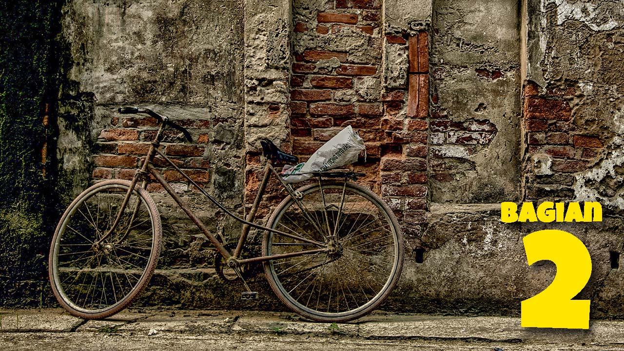 Sepeda Ontel Tua Penjual Sapu bagian 2