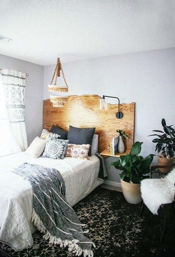 Widow's bed headboard model made of wood