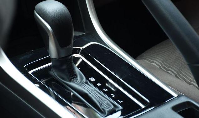 Cara Mengatasi Transmisi Mobil yang Bermasalah