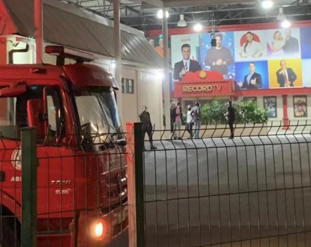 (URGENTE )Teto do estúdio de Jornalismo da RecordTV desaba e deixa feridos   -  Adamantina Notìcias