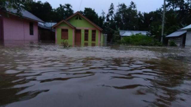Hujan Deras Melanda Aceh dan Sumatera Utara Sebabkan Banjir  Dan Longsor