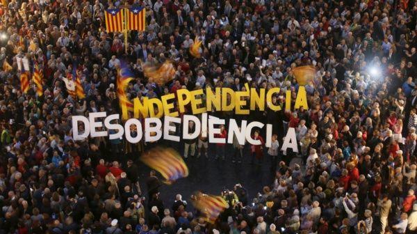 Fiscalía española ordena investigación de alcaldes catalanes