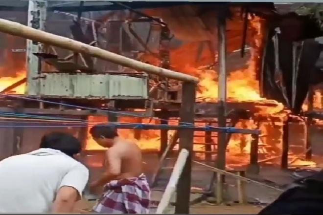 Kebakaran di Panyula, Satu Rumah Panggung Hangus Dilalap Api