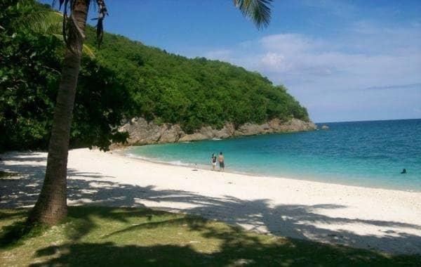 Isla Grande White Sand Beach