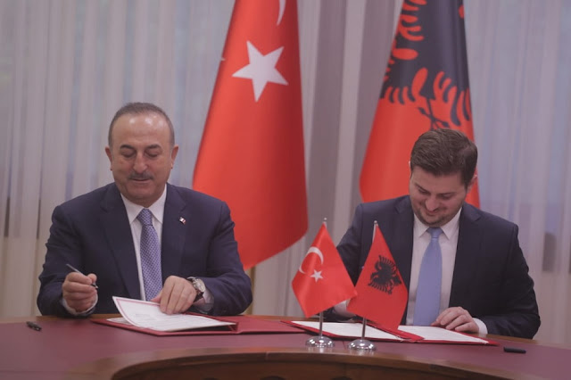 Turkey recognizes Albanian driving licenses, agreement signed between Cakaj and Çavuşoğlu
