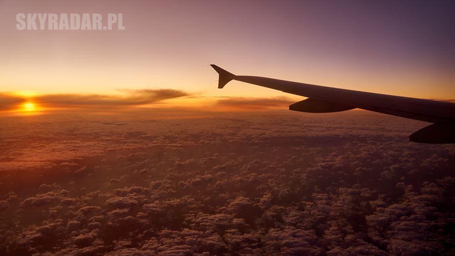 Zachód słońca z samolotu