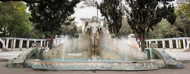 La fuente de los cántaros: Parque México