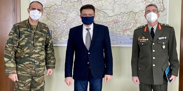 Αλεξανδρούπολη: Ο νέος και απερχόμενος Δκτης XII M/K MΠ στον Αντιπεριφερειάρχη Έβρου