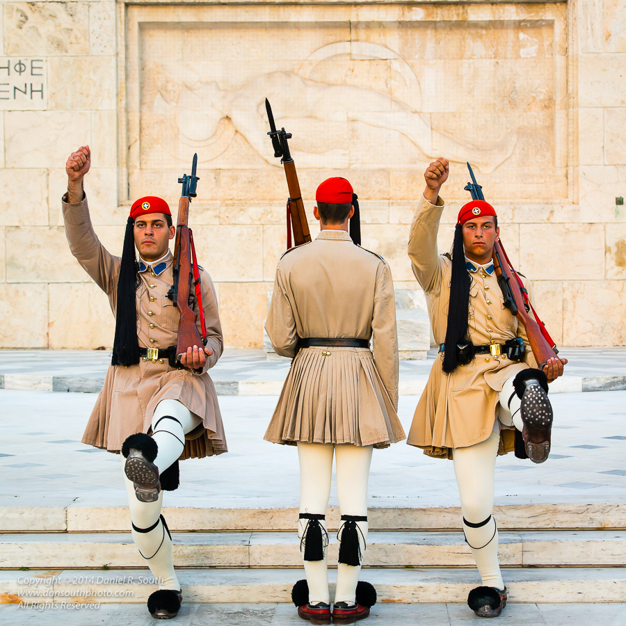 a photo of the palace guard in athens greece