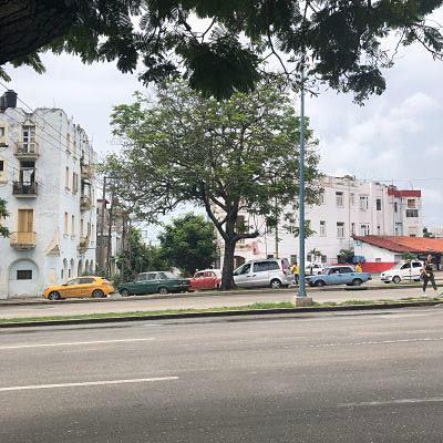 Avenida Carlos iii. La Habana