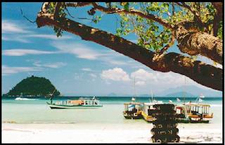 Objek Wisata Pantai Pasir Putih Lampung