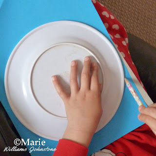 draw around circular object such as a plate