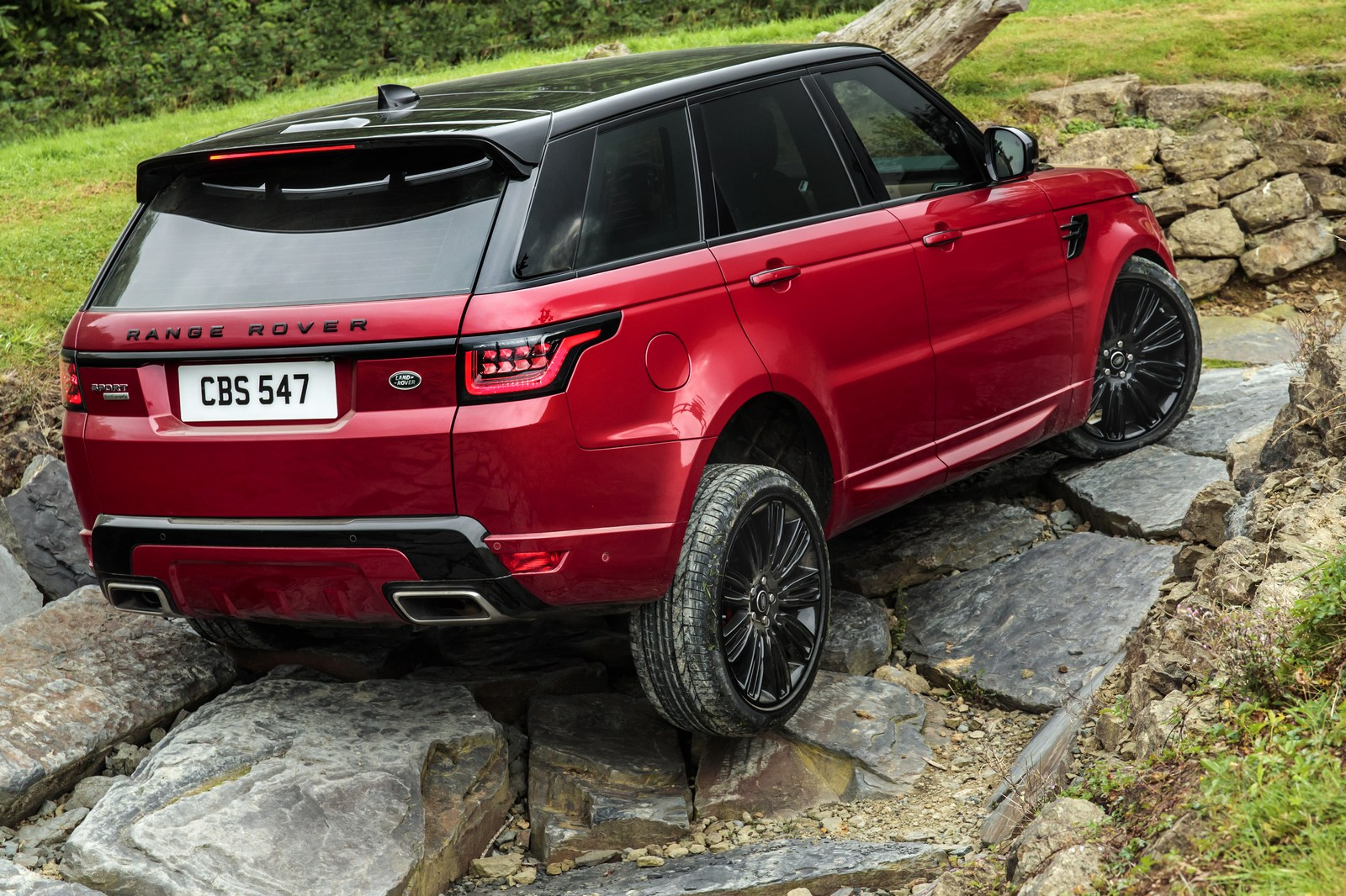 2018 range rover sport lineup revealed with new plug in hybrid and more powerful svr. Black Bedroom Furniture Sets. Home Design Ideas