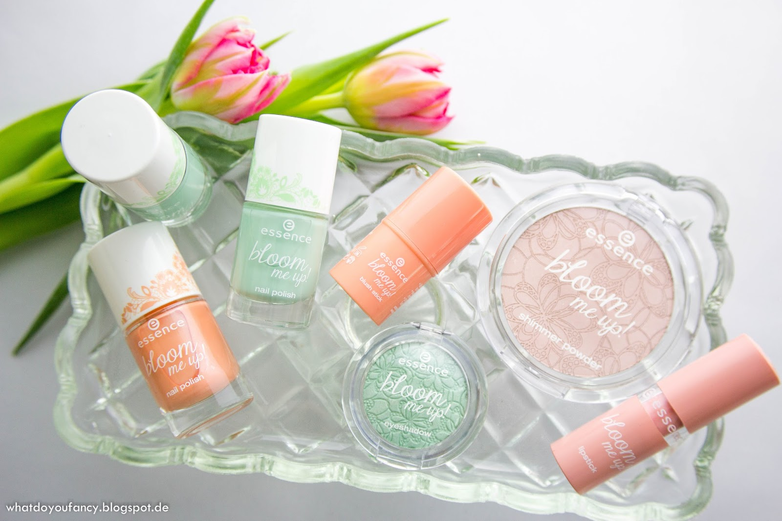 Review und Swatches der  essence bloom me up Edition März 2014